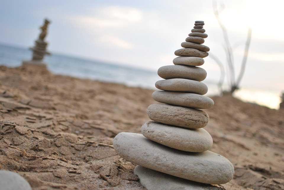 Balanced Rocks on the Beach_WebsiteBackground